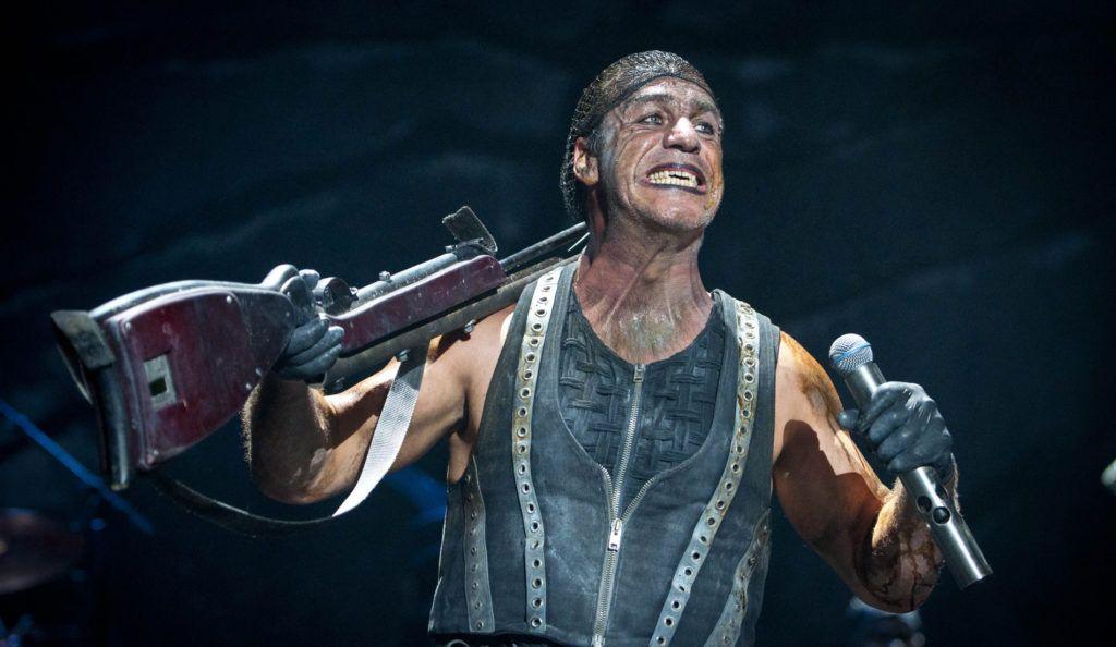 Till Lindemann, líder de Rammstein, es acusado de atacar a