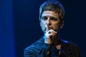 Noel Gallagher dice que actuaría con un holograma de su hermano Liam