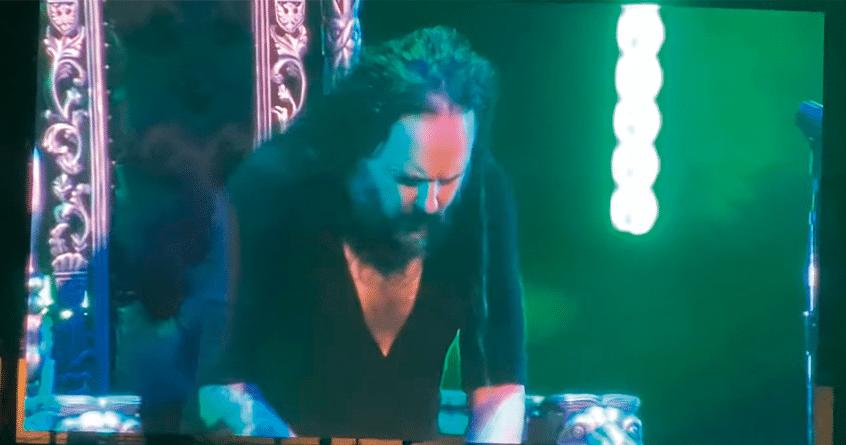 jonathan davis de korn en concierto