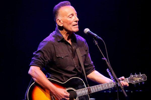 Se subastarán las armónicas y letras escritas a mano de Bruce Springsteen.