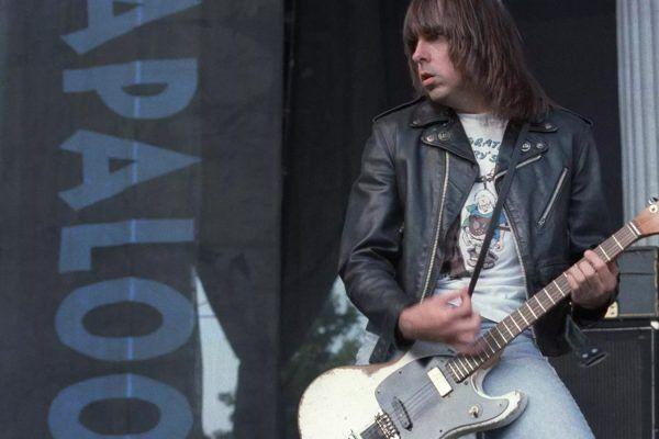 Guitarra de Johnny Ramone se vende por más de 1 millón de dólares en una subasta