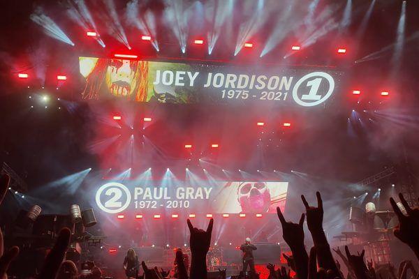 Slipknot rinde homenaje a Joey Jordison Y Paul Gray